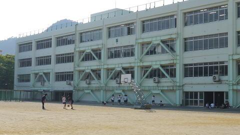 新宮市立緑丘中学校HP